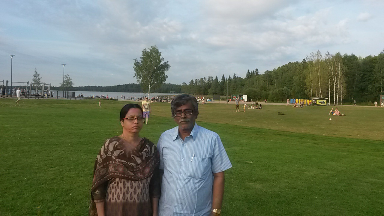 Mr. Gopalakrishnan Ganesan with his wife celebrating being the global WikiMaster